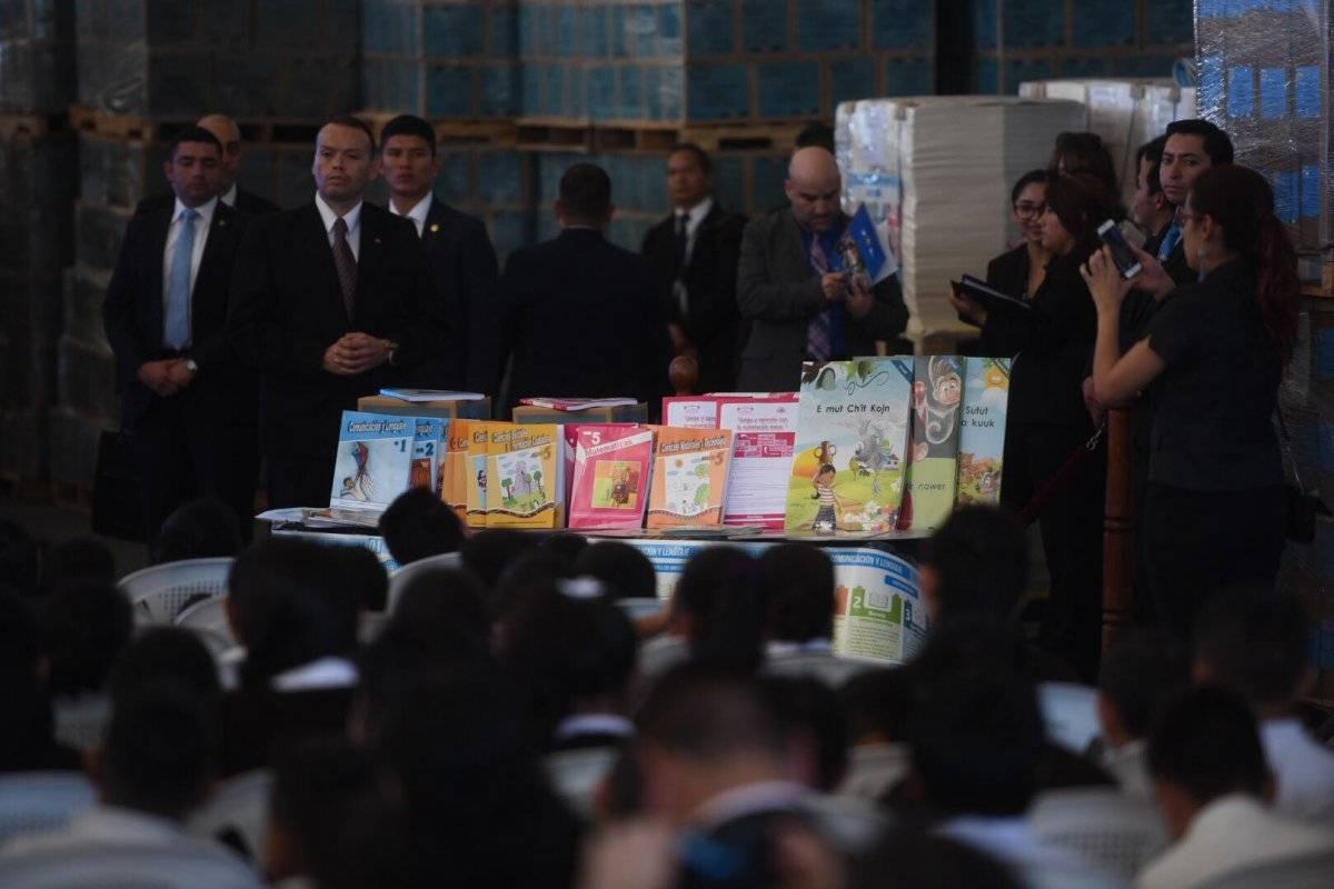 Mis lujos, que los paguen los guatemaltecos