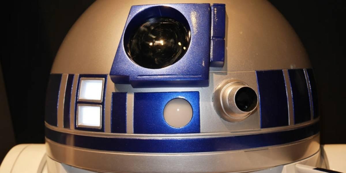 Un refrigerador R2-D2 que te lleva las bebidas