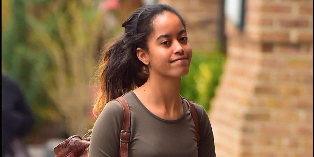 Captan a Malia hija de Barack Obama en cita romántica