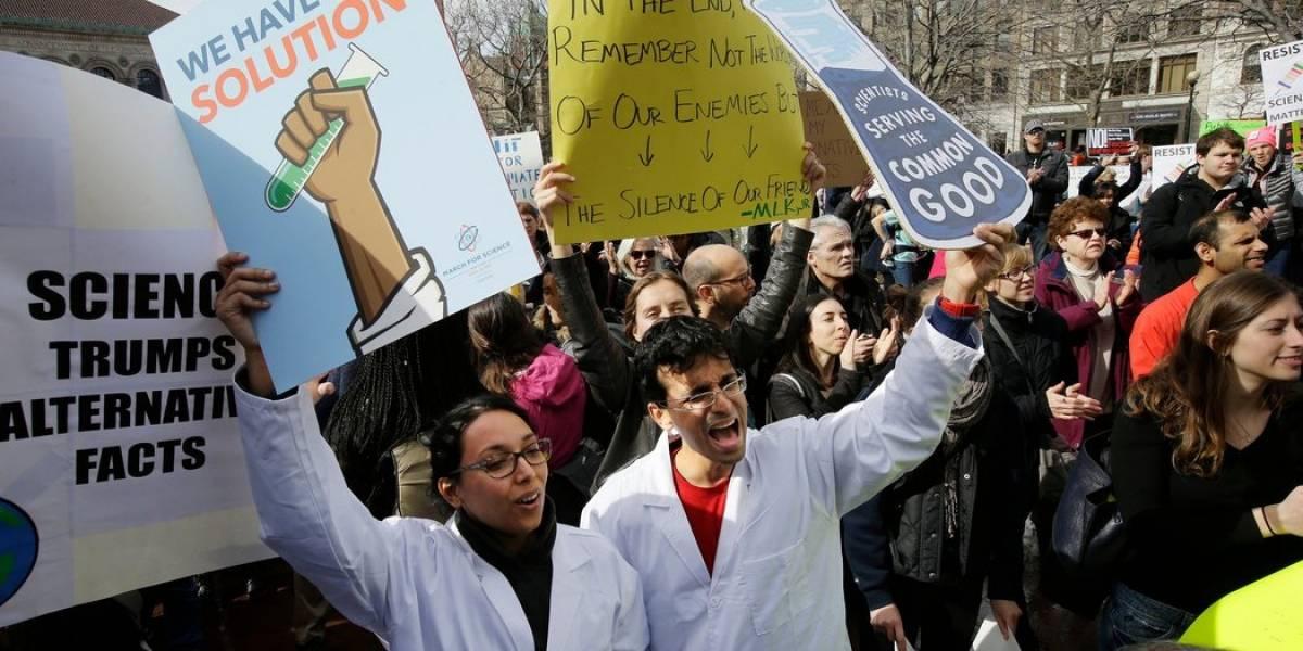 Chile y México se suman a la Marcha por la Ciencia