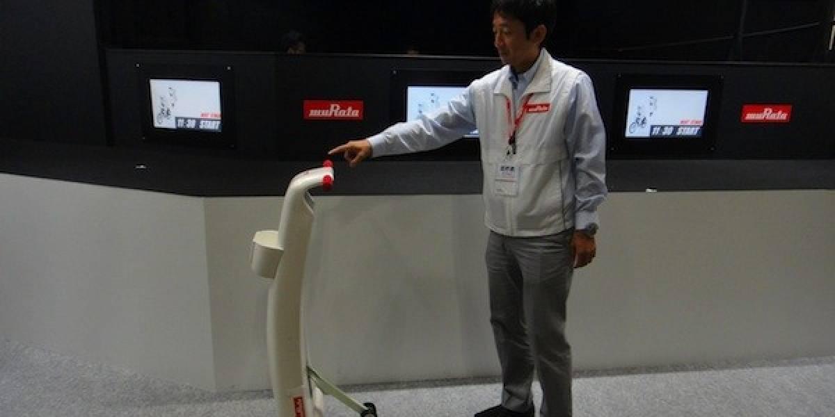 Murata presentó un andador asistido al estilo Segway