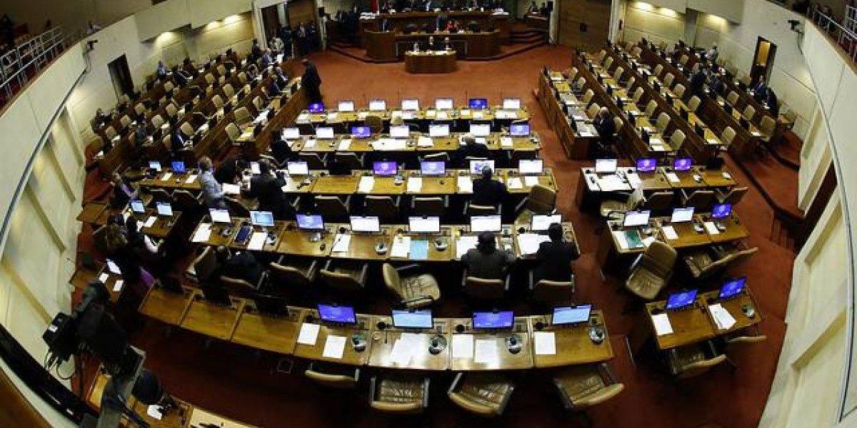 Diputados aprueban en general subirse días de inasistencia
