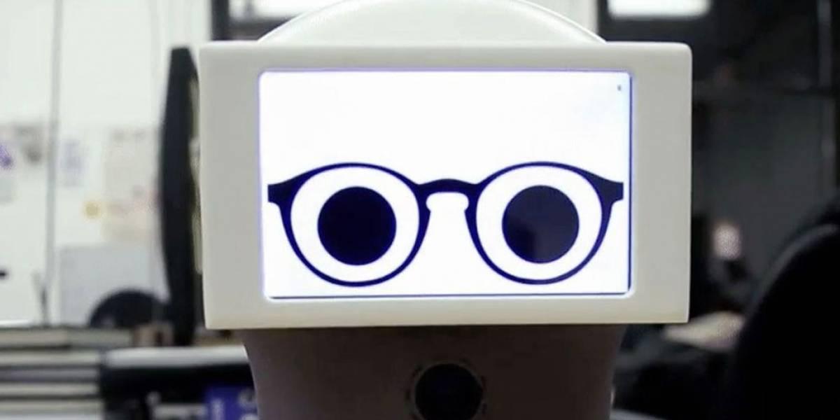 Peeqo es un robot que se comunica usando sólo animaciones GIF