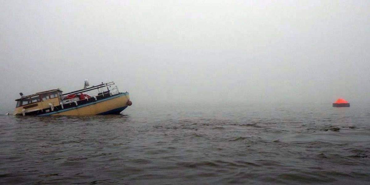 Marino inglés sale a navegar con su iPad, termina hundiendo su barco
