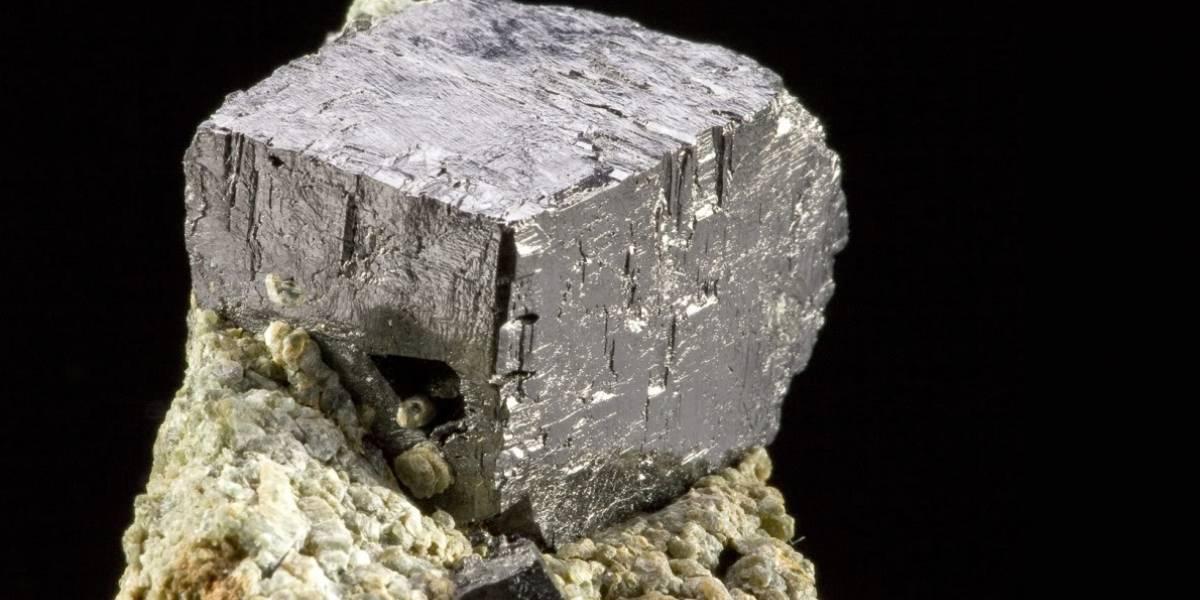 Mineral descubierto hace dos siglos lograría que la internet sea más rápida