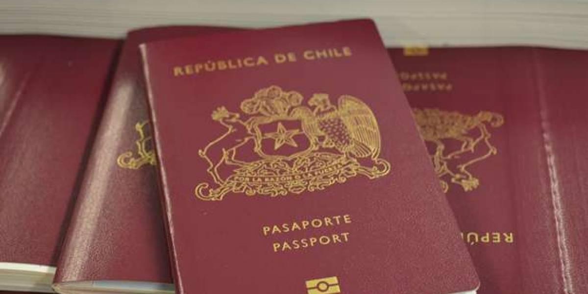 Expertos afirman que Programa Visa Waiver pone a chilenos bajo vigilancia estadounidense