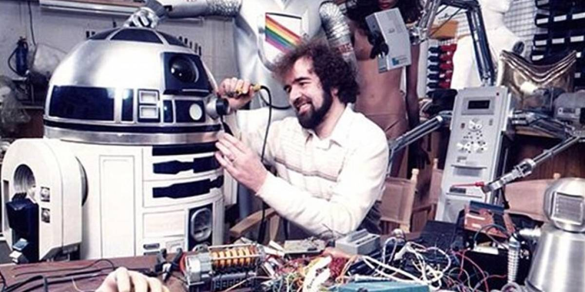 Fan compra un R2-D2 original por bastantes millones de dólares