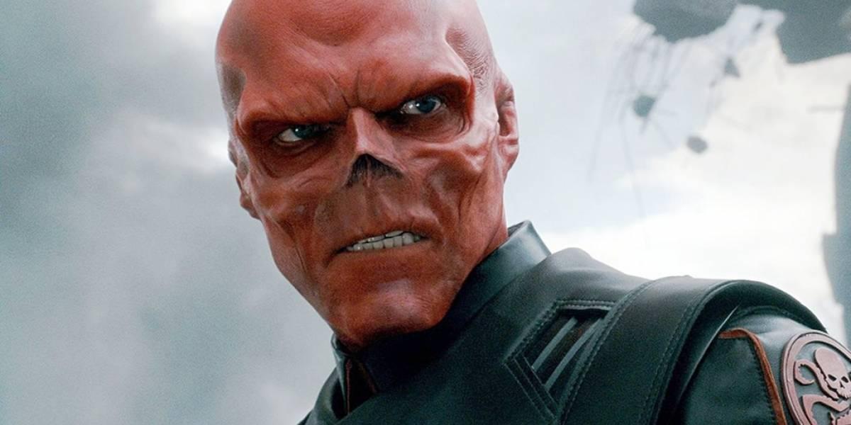 Fan de los cómics corta su nariz para verse como Red Skull