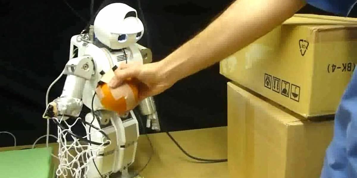 Este artículo lo podría estar escribiendo este robot controlando mis manos