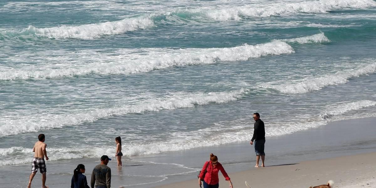 Cierran playas en California por derrame de aguas negras