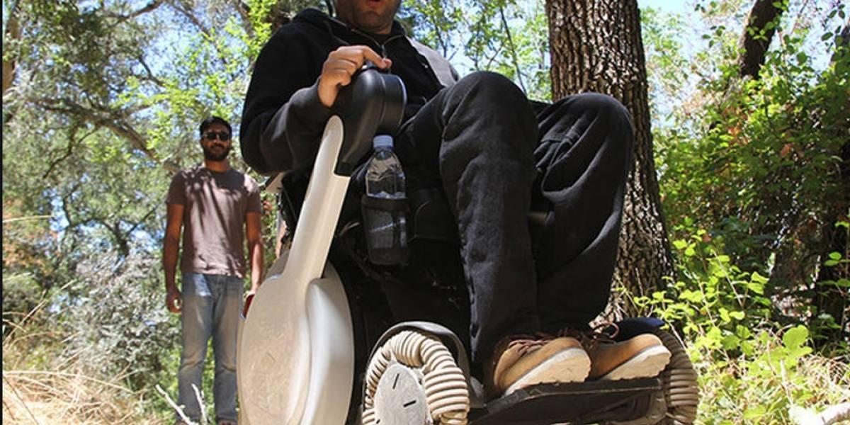 Japoneses crean silla de ruedas robótica todoterreno