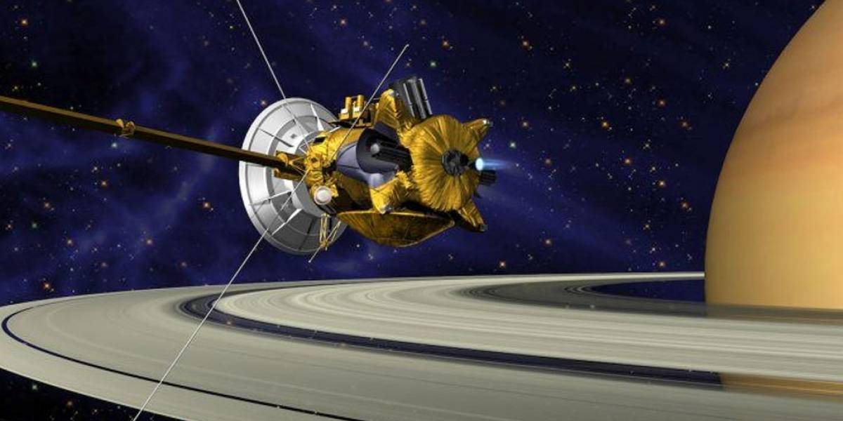 NASA libera video de Cassini sobrevolando el espacio entre Saturno y sus anillos