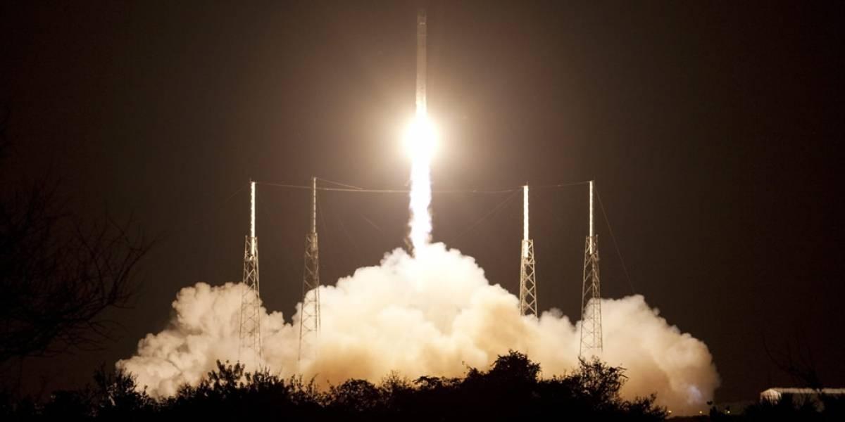 SpaceX realizó con éxito lanzamiento de Falcon 9 con la cápsula Dragon