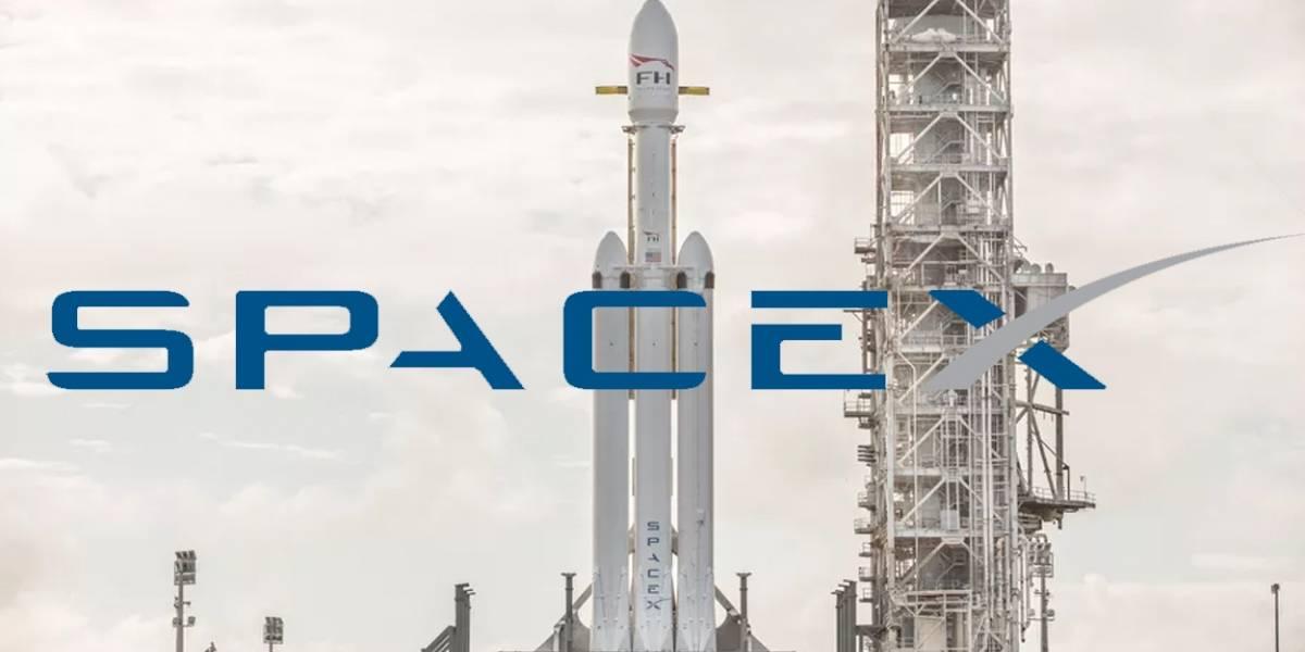 SpaceX presume su Falcon Heavy casi listo para lanzarse
