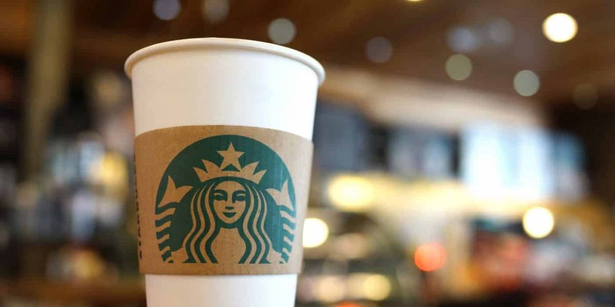 Wi-Fi de Starbucks infecta dispositivos para minar criptomonedas