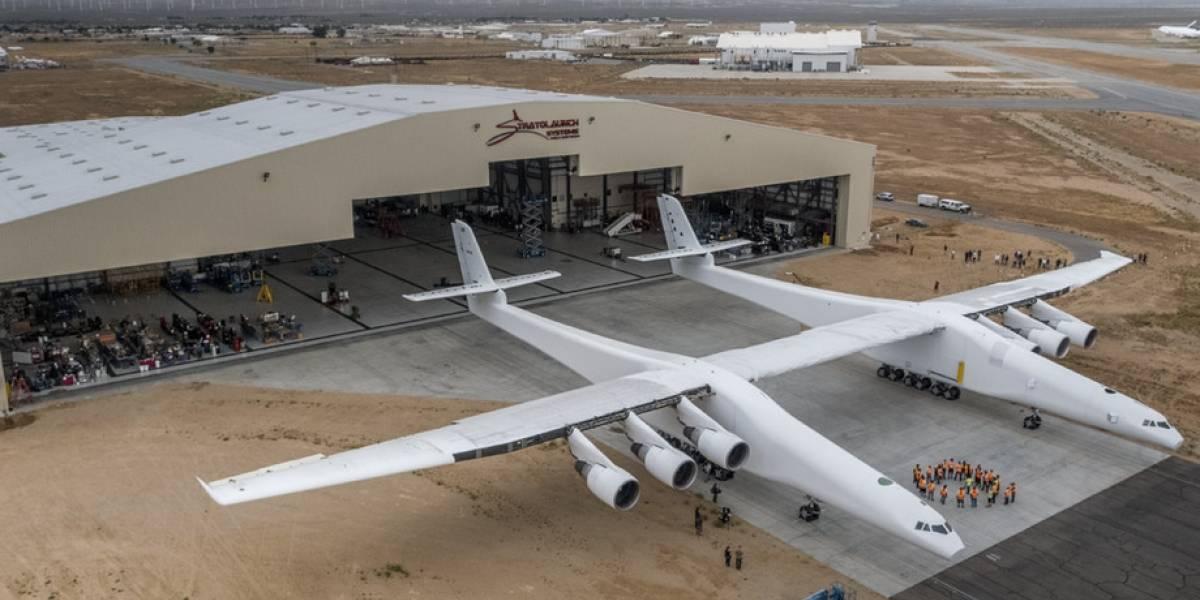 Cofundador de Microsoft construye avión más grande del mundo capaz de enviar cohetes al espacio