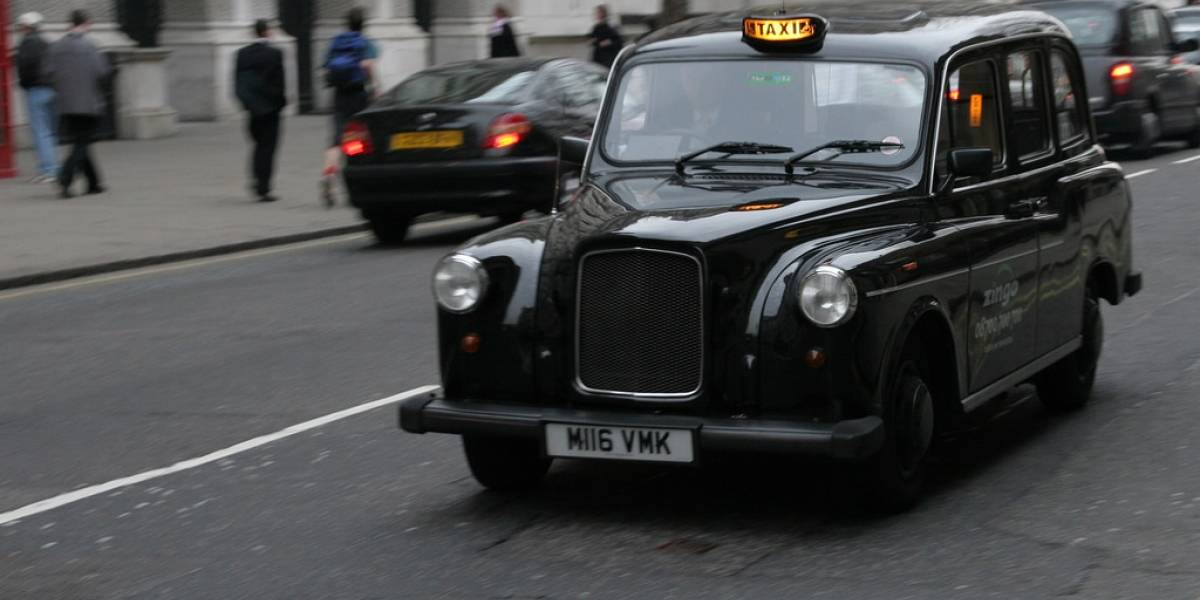 Taxistas de Bogotá y Londres en contra de Uber