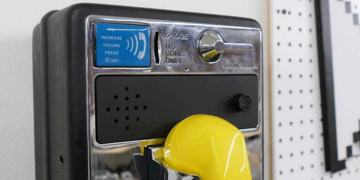 Logran transformar un teléfono público en wurlitzer