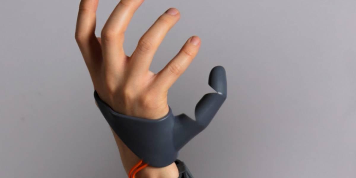 Este tercer pulgar robótico muestra el siguiente paso de la evolución humana
