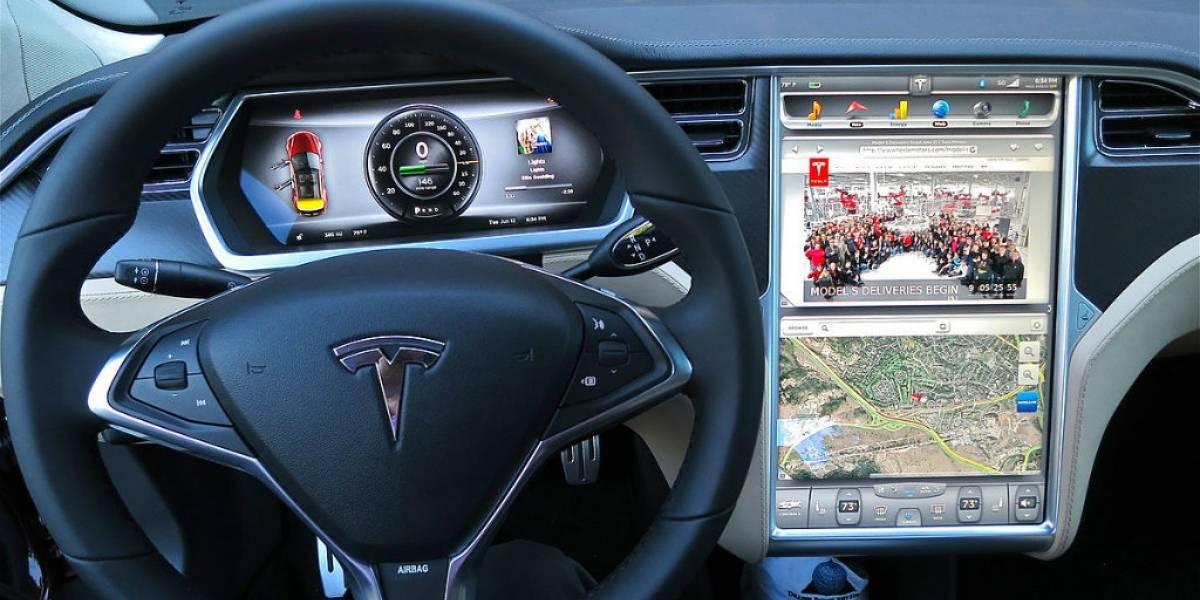 Parece que Tesla quiere integrar Realidad Aumentada a sus coches