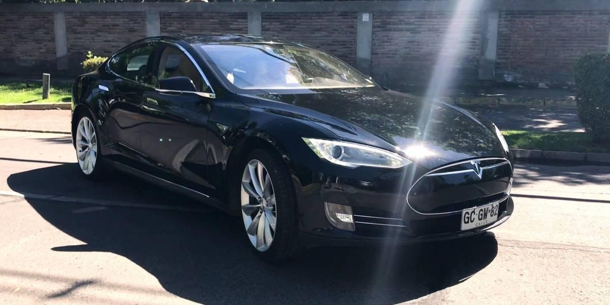 """Juan Oehninger, dueño del único Tesla en Chile: """"La llegada de Tesla al país es inevitable"""""""