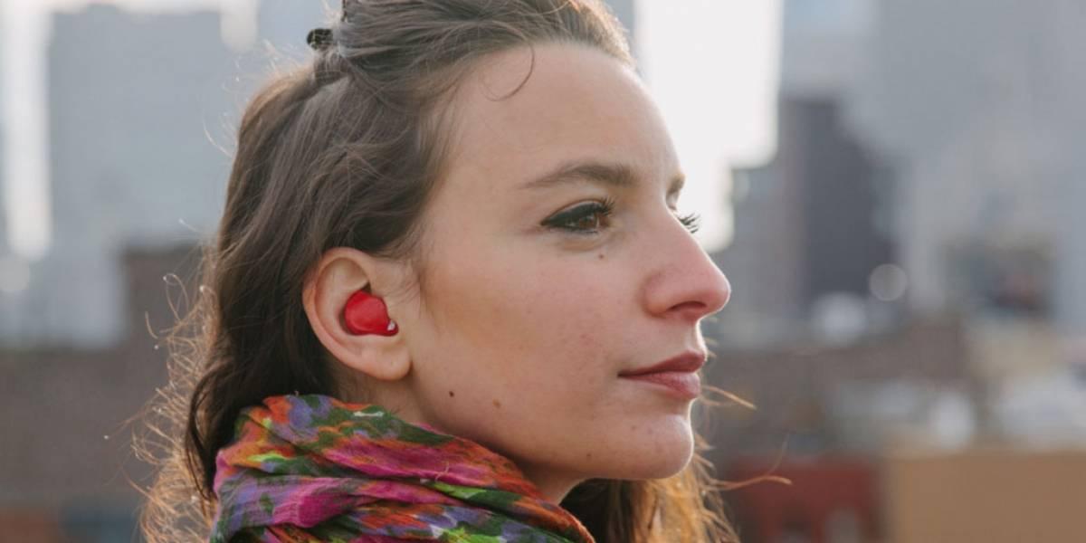 Pilot es un audífono que traduce idiomas en tiempo real