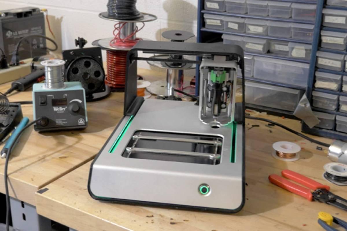 Voltera, la máquina para crear circuitos impresos en casa