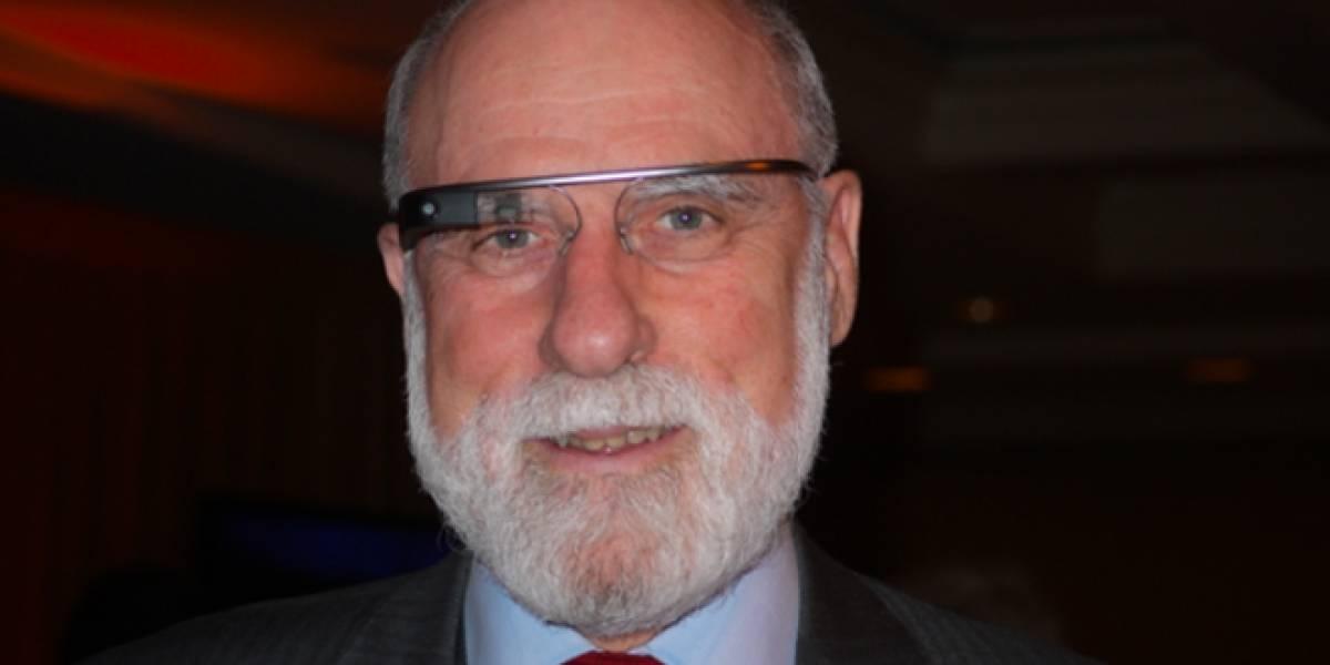 Vint Cerf, uno de los padres de Internet, opina sobre Google Glass