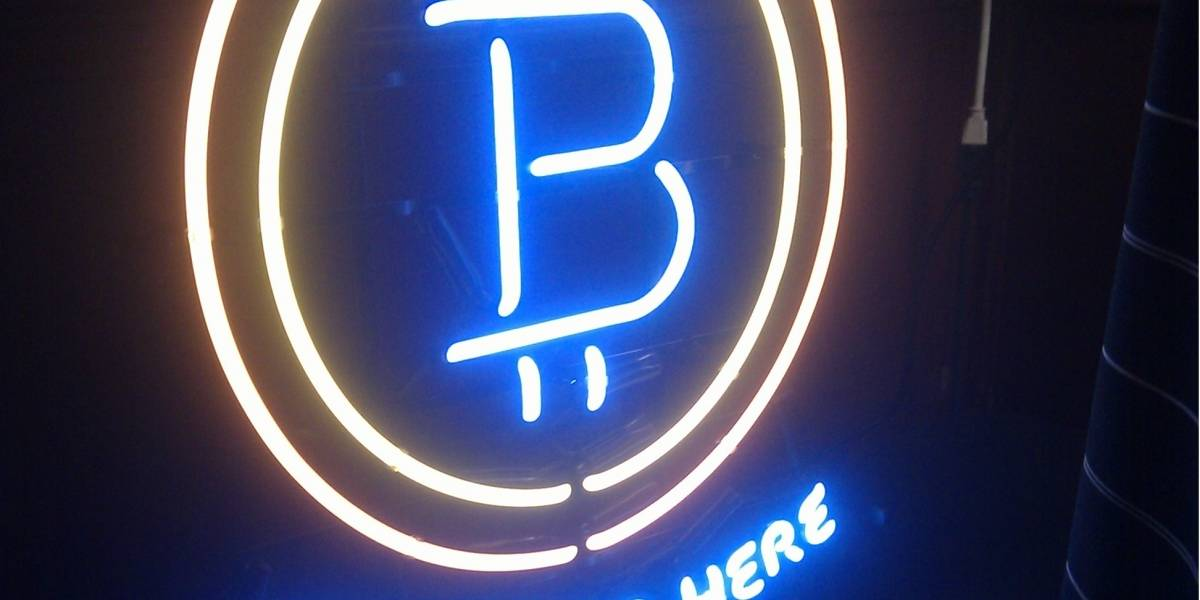 Cierran sitio de compraventa de artículos ilegales tras supuesto robo de bitcoins