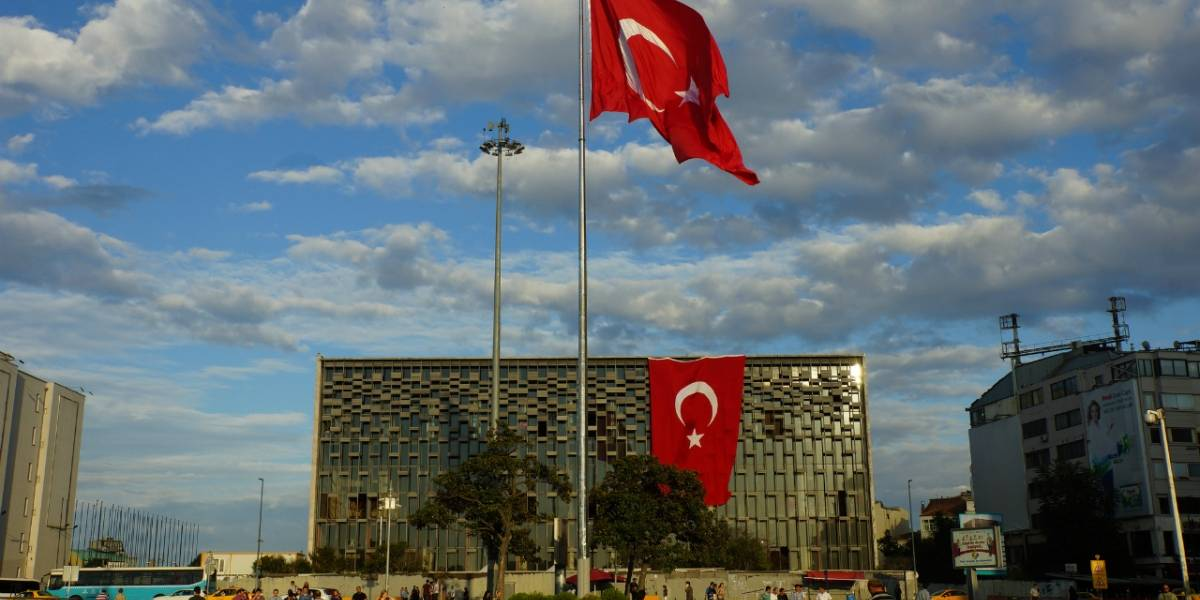 Orden judicial bloquea acceso a Twitter y YouTube en Turquía