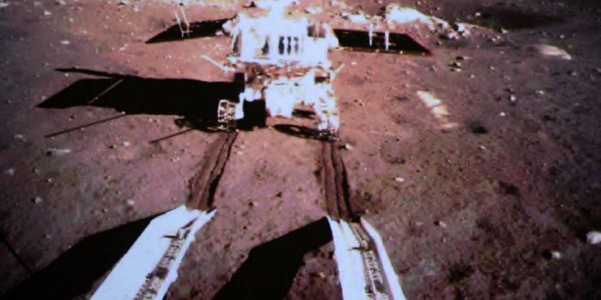 """Ve como llegó a la Luna el robot chino """"conejo de jade"""""""