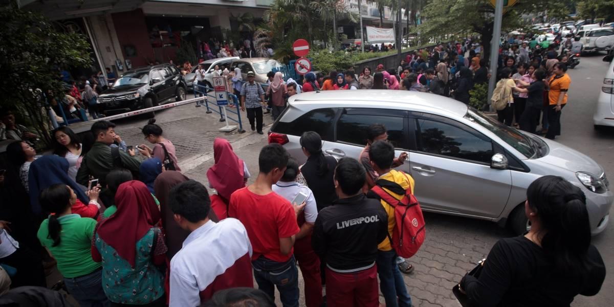 Sismo de 6.4 grados en Indonesia deja al menos ocho niños heridos