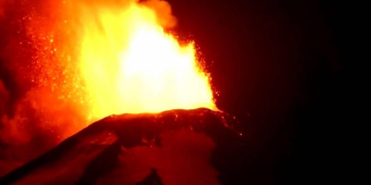 Volcán Villarrica está en erupción estromboliana