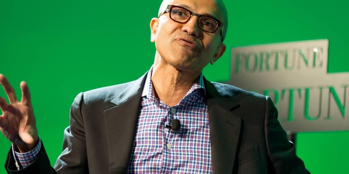 Cortana hace quedar mal a Satya Nadella, CEO de Microsoft, en plena conferencia