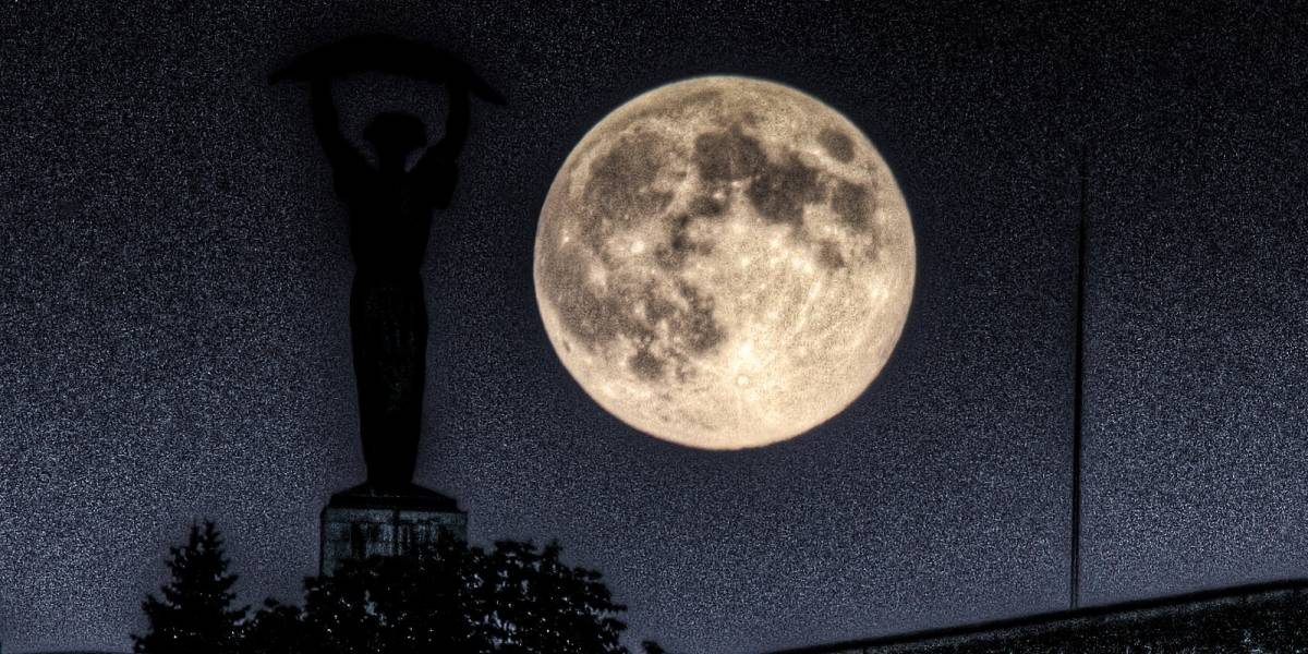 La Luna podría tener túneles gigantes