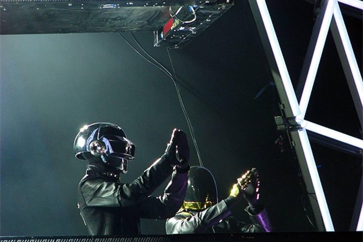 Así se ve y escucha 'Aerodynamic' de Daft Punk usando código
