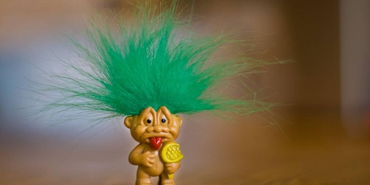 Cuentas falsas de trolls podrían enfrentar cargos penales