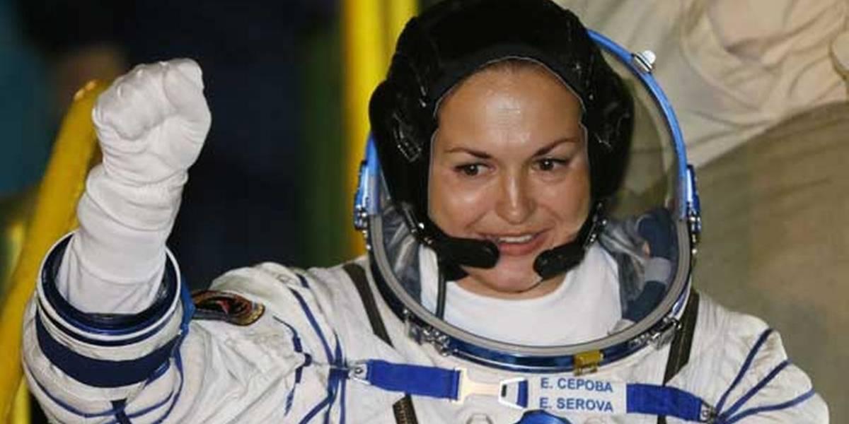 La primera cosmonauta llega a la Estación Espacial Internacional