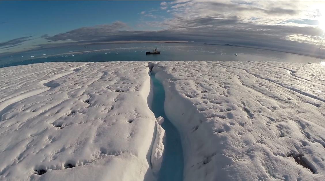 Insólito: Microsoft comienza a almacenar sus proyectos de código abierto en mina ubicada en el Ártico
