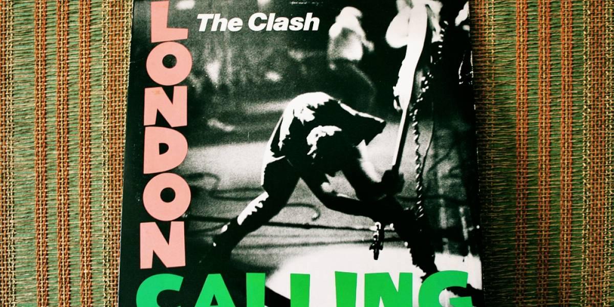 Google lanza documental de The Clash con imágenes inéditas de Joe Strummer