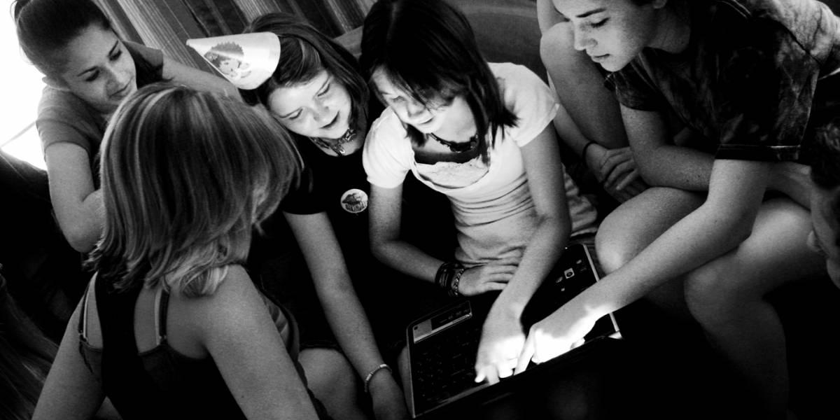 Nueva ley de California permite que menores puedan borrar su pasado online