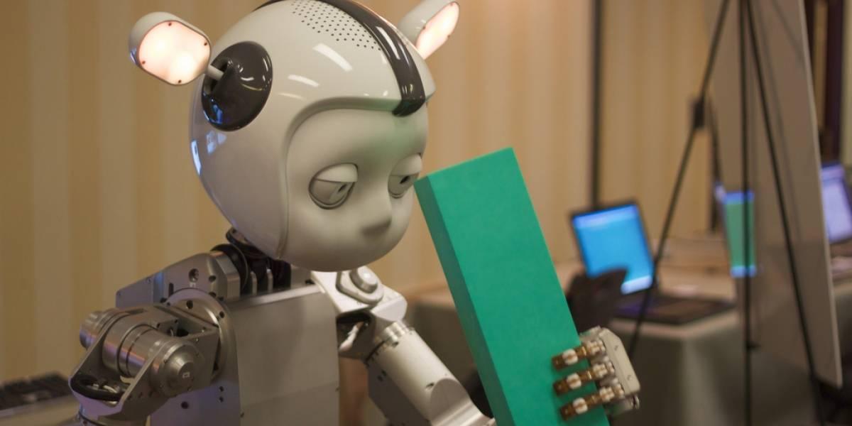 Los tics ayudarían a los robots a no caer en el valle inquietante