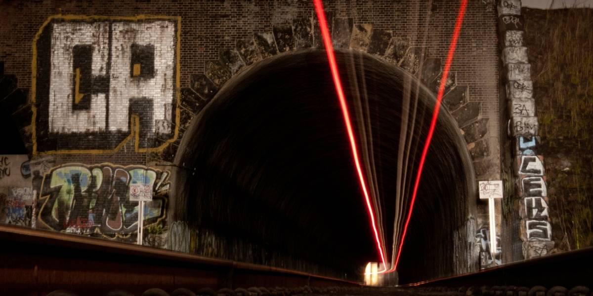 Trenes holandeses experimentan limpiar rieles con rayos láser