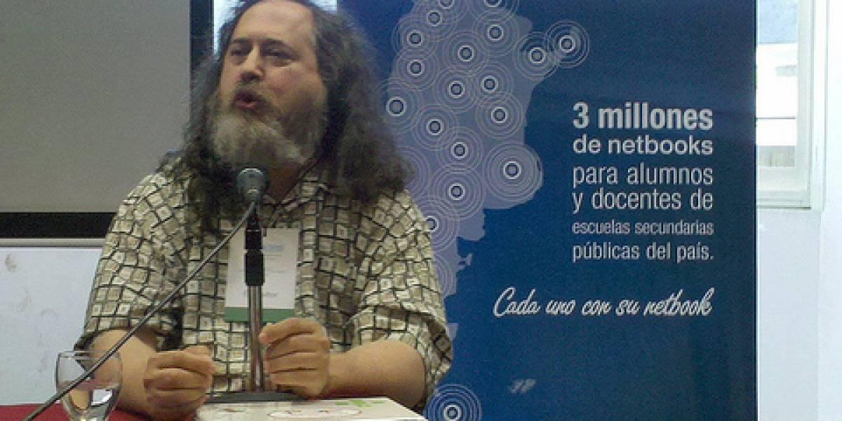 """Richard Stallman estuvo en Argentina y repartió """"elogios"""" para toda la industria"""