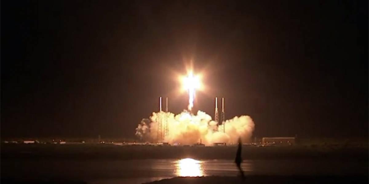 Con éxito total despega el primer vuelo comercial de SpaceX a la Estación Espacial Internacional