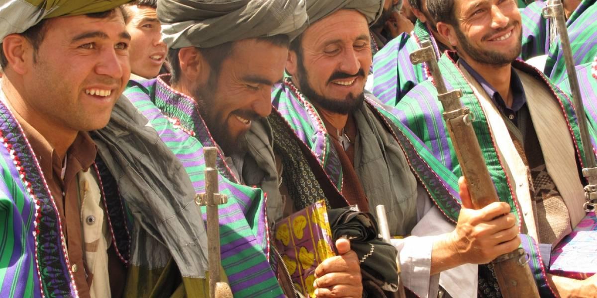 Talibanes se equivocan al enviar un correo electrónico y revelan su lista de 400 contactos