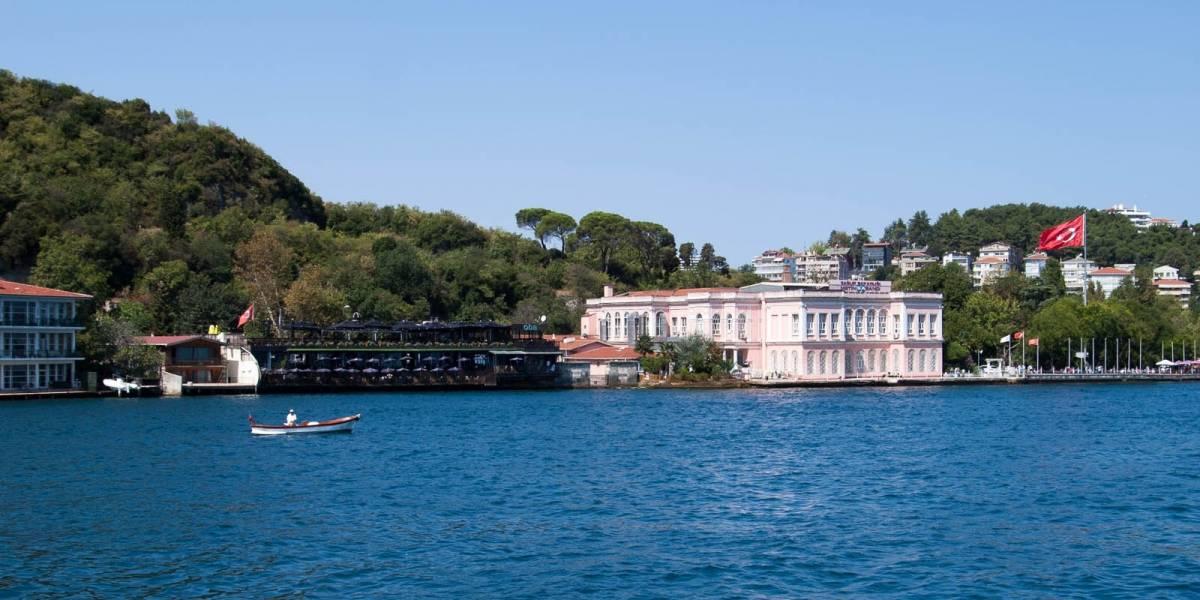 Inauguran en Estambul el primer tren subacuático que conecta a dos continentes
