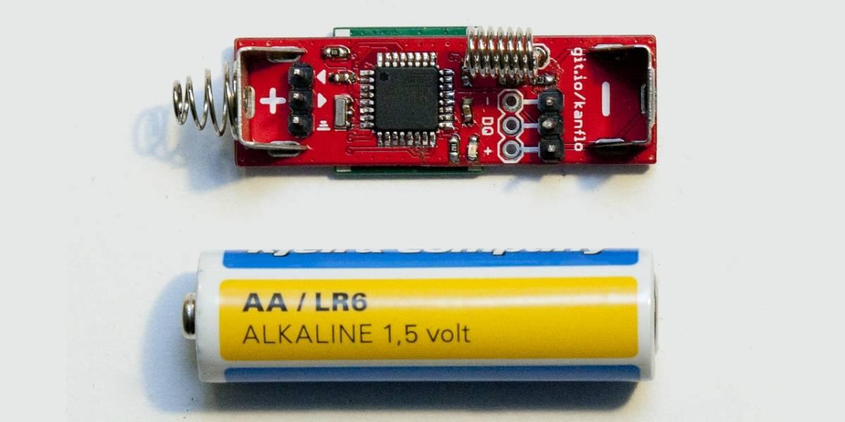 Alguien encogió un tablero Arduino al tamaño de una pila AA