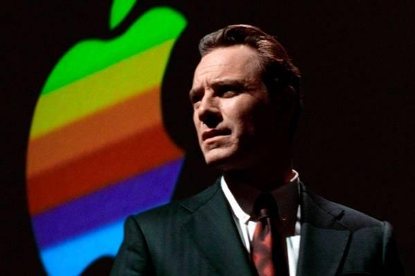 af2ca627b24 Aaron Sorkin gana el Globo de Oro a Mejor Guión por Steve Jobs