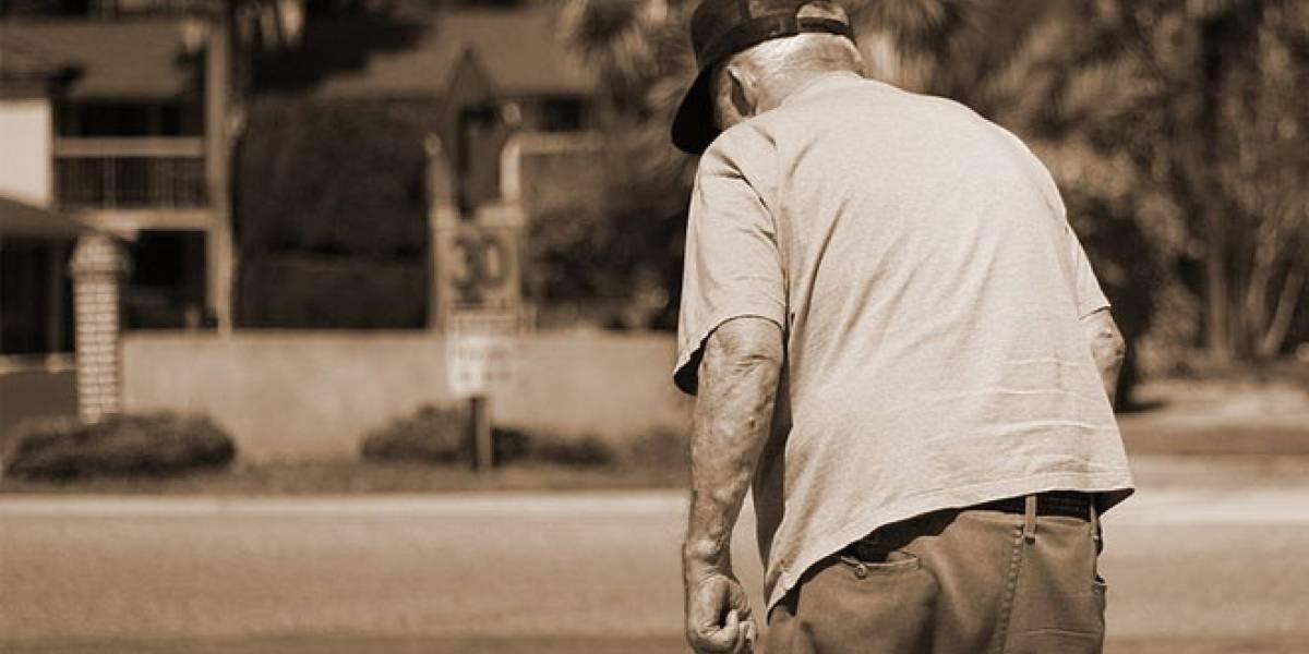 Un examen de la vista podría detectar el Alzheimer con anticipación a sus síntomas